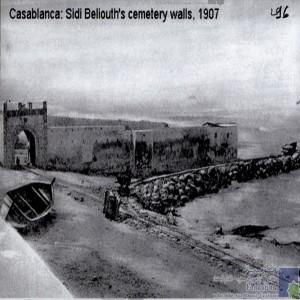 Sidi Belioth\'s Cemetery Walls, 1907/ Port de Mer