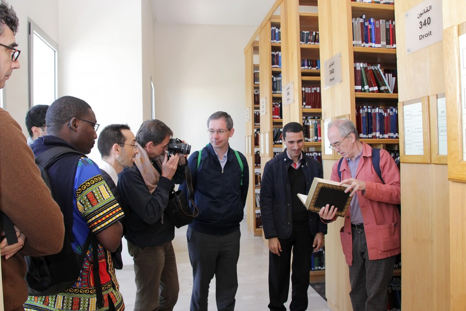 Un groupe d'étudiants-chercheurs en théologie appartenant à l'Institut des Sciences et Théologie de Paris, rattaché à l'Institut Catholique